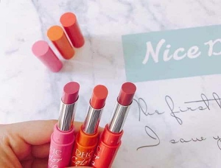 Chất son dưỡng DHC có màu Color Lip Cream